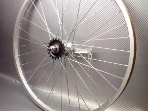 Заднее колесо с тормозной втулкой 24